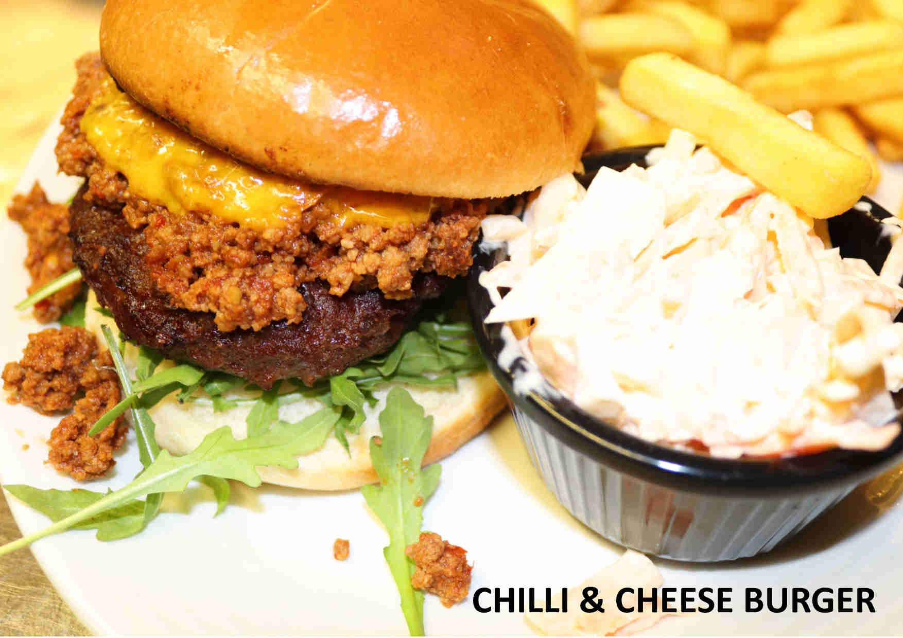 CHILLI & CHEESE BURGER